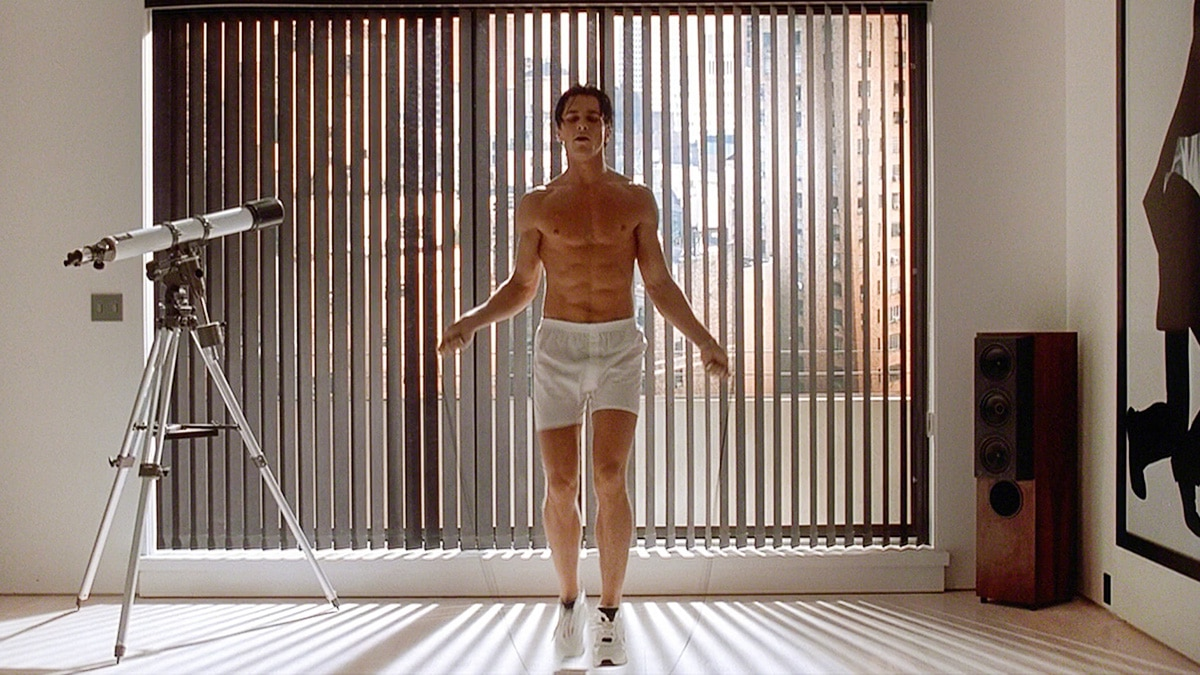 A photo showing Christian Bale working out for American Psycho.